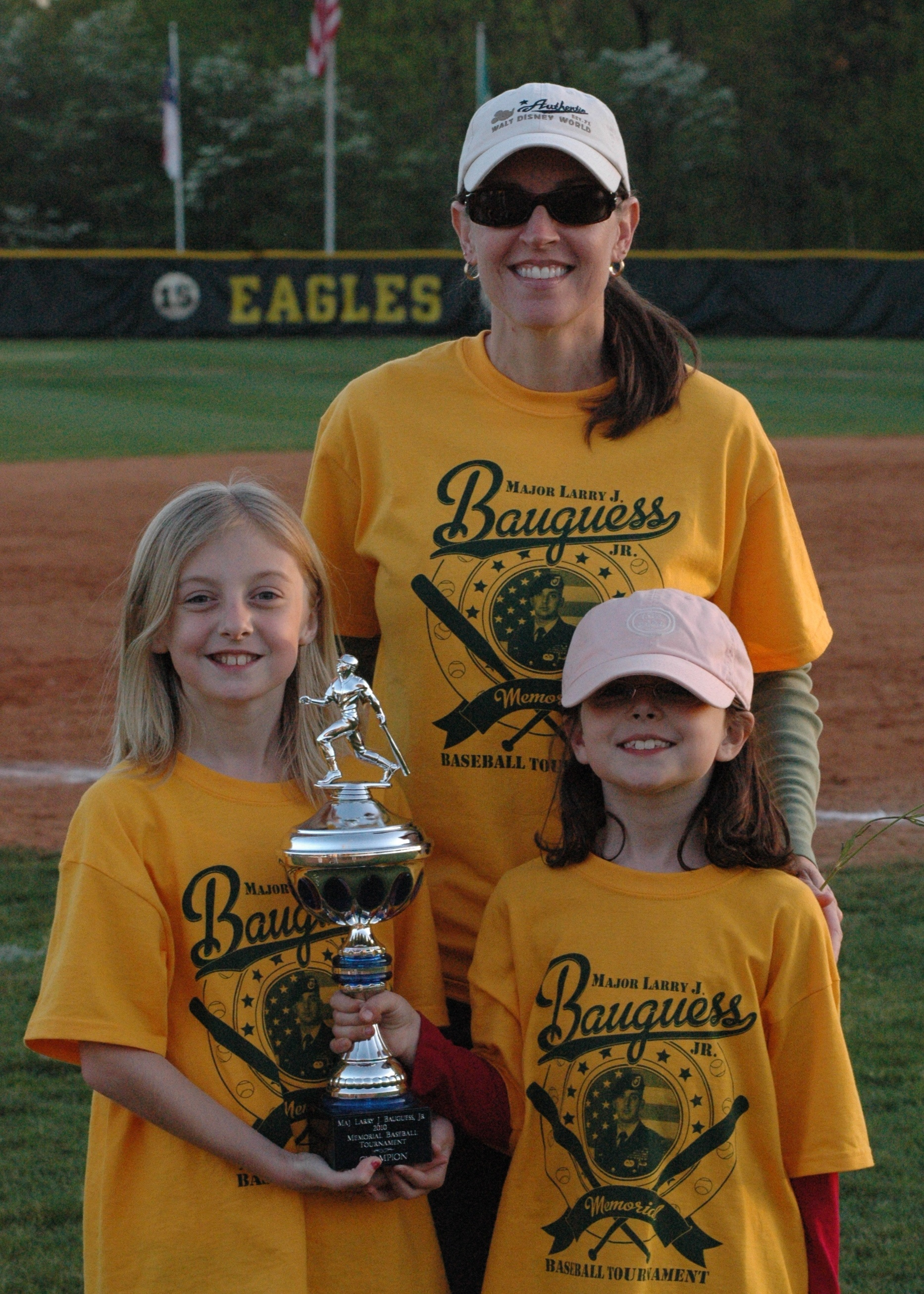 girls & trophy